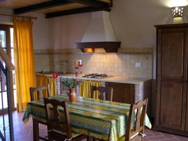giarlinga_appartamenti_cucina