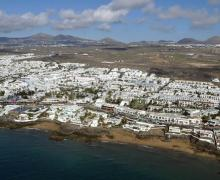 El presidente del Cabildo de Lanzarote agradece la participación del empresariado turístico de Tías en los encuentros promovidos por la Reserva de la Biosfera y les invita a participar de una jornada específica dirigida a los directivos y gestores de este sector