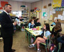 Los escolares de Teguise se adentran en la historia de su municipio a través del Callejón de la Sangre