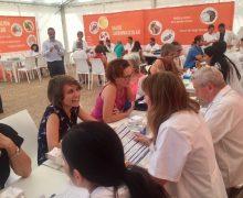 La Sociedad Española de Farmacia Familiar y Comunitaria (SEFAC) ofreció la jornada del viernes controles médicos gratuitos junto al Charco de San Ginés