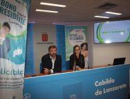 El Cabildo de Lanzarote pone en servicio el Bono Residente Canario con un precio único de 20 euros al mes y usos ilimitados para toda la isla, incluido el transporte público de Arrecife