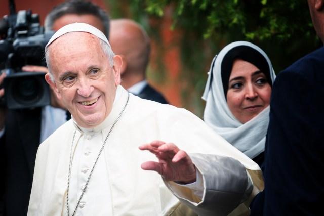 Papa Francesco Bergoglio all'HUB di Bologna