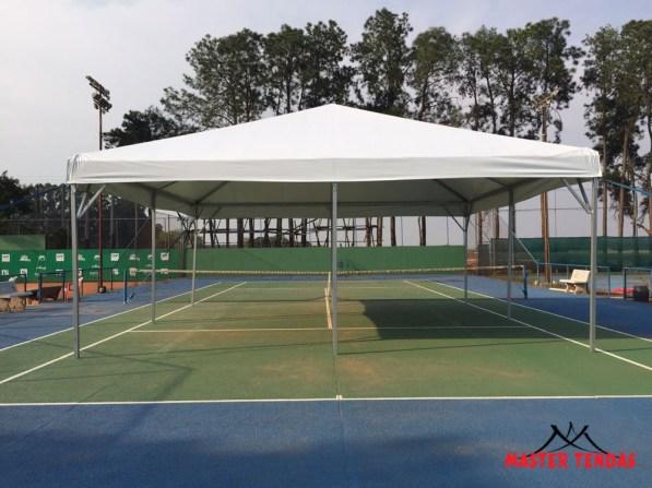 Tendas piramide modelo instalado em quadra poli esportiva