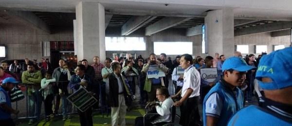 グアテマラ空港 外に出たところ