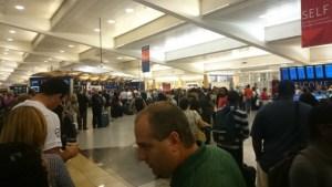 大混雑のアトランタ空港