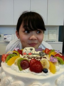 スタッフ誕生日会3 歯科衛生士用ケーキ