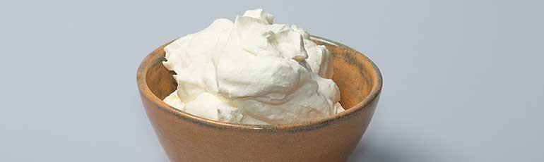 Σπιτική κρέμα προσώπου με κρέμα γάλακτος