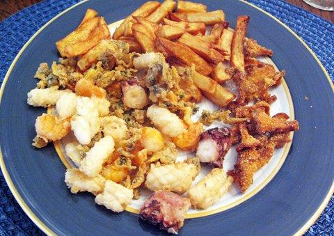 Skalldyr, pommes frites, kantarell