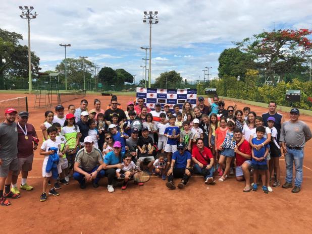 Circuito Tenis : La compasión hizo su estreno en el circuito tenis & valores