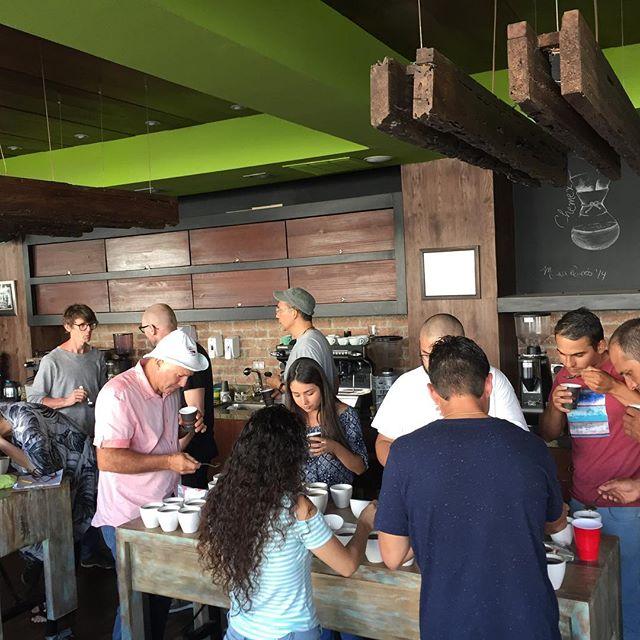 Idag koppar (provsmakar) vi kaffe i San Jose, Costa Rica. Mycket goda kaffen. #materiamajorna #pernordby #kafferesa #costarica
