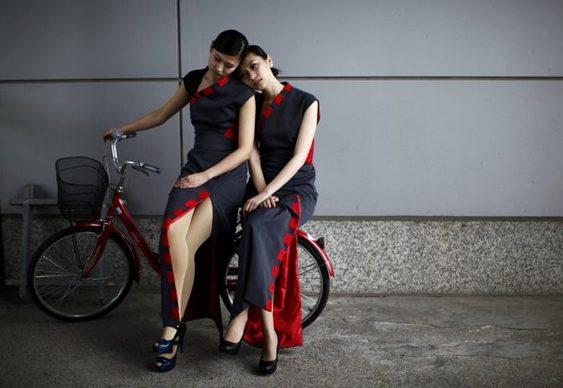 Garotas do Grid de bicicleta