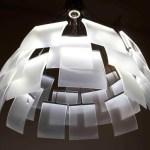 Design genial do lustre que abre e fecha os difusores de luz