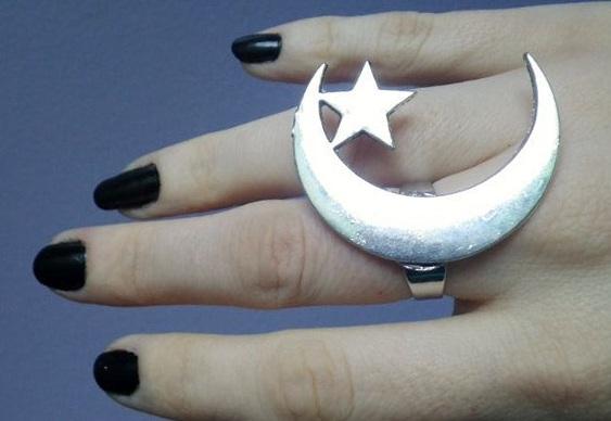Resultado de imagem para anel de lua e estrela