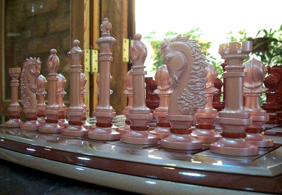 Peças de xadrez na cor rosa