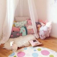 almofadas na decoração do quarto das crianças 14