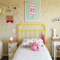 almofadas na decoração do quarto das crianças 27