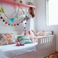 almofadas na decoração do quarto das crianças 29