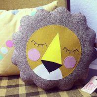 almofadas na decoração do quarto das crianças 4
