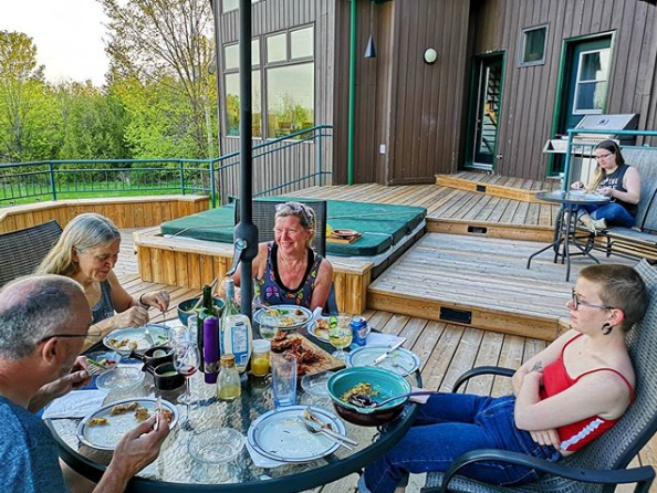 """This image has an empty alt attribute; its file name is Mathew-Ingram-on-Instagram-""""Great-dinner-al-fresco-on-the-deck-tonight-—-beautiful-spring-evening"""".png"""