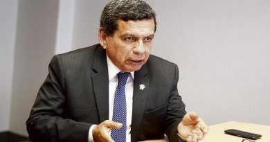 Hernando Cevallos plantea reinicio de clases presenciales en universidades e Institutos
