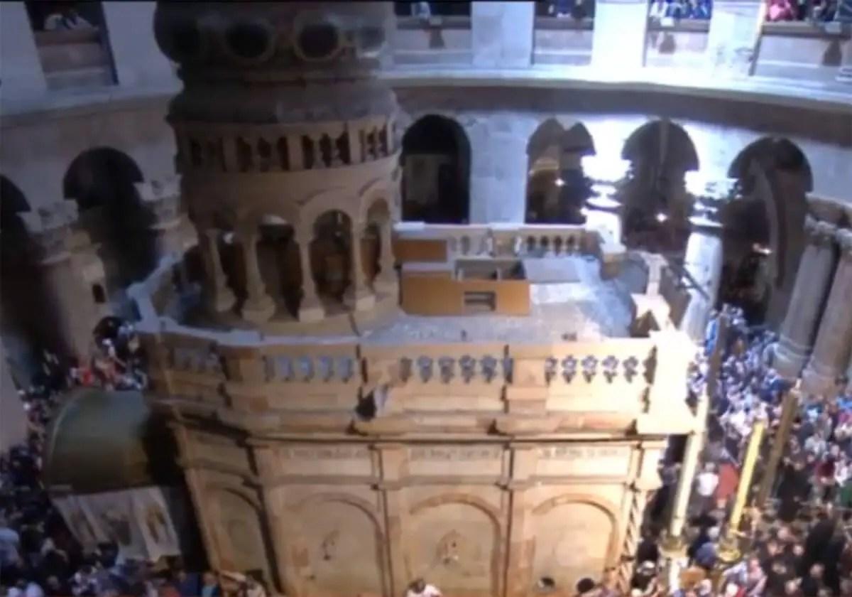 Άγιο Φως, Πανάγιος Τάφος - Holy Light, Holy Sepulchre