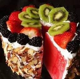 Φρουτο-τούρτα καρπούζι
