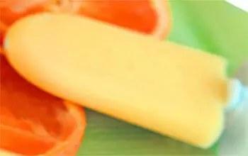 Ξυλάκια με παγωτό πορτοκάλι