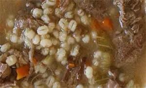 Σούπα μοσχαράκι με λαχανικά και κριθάρι