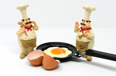 frying pan 1560789985 - Ο Καρακατσάνης