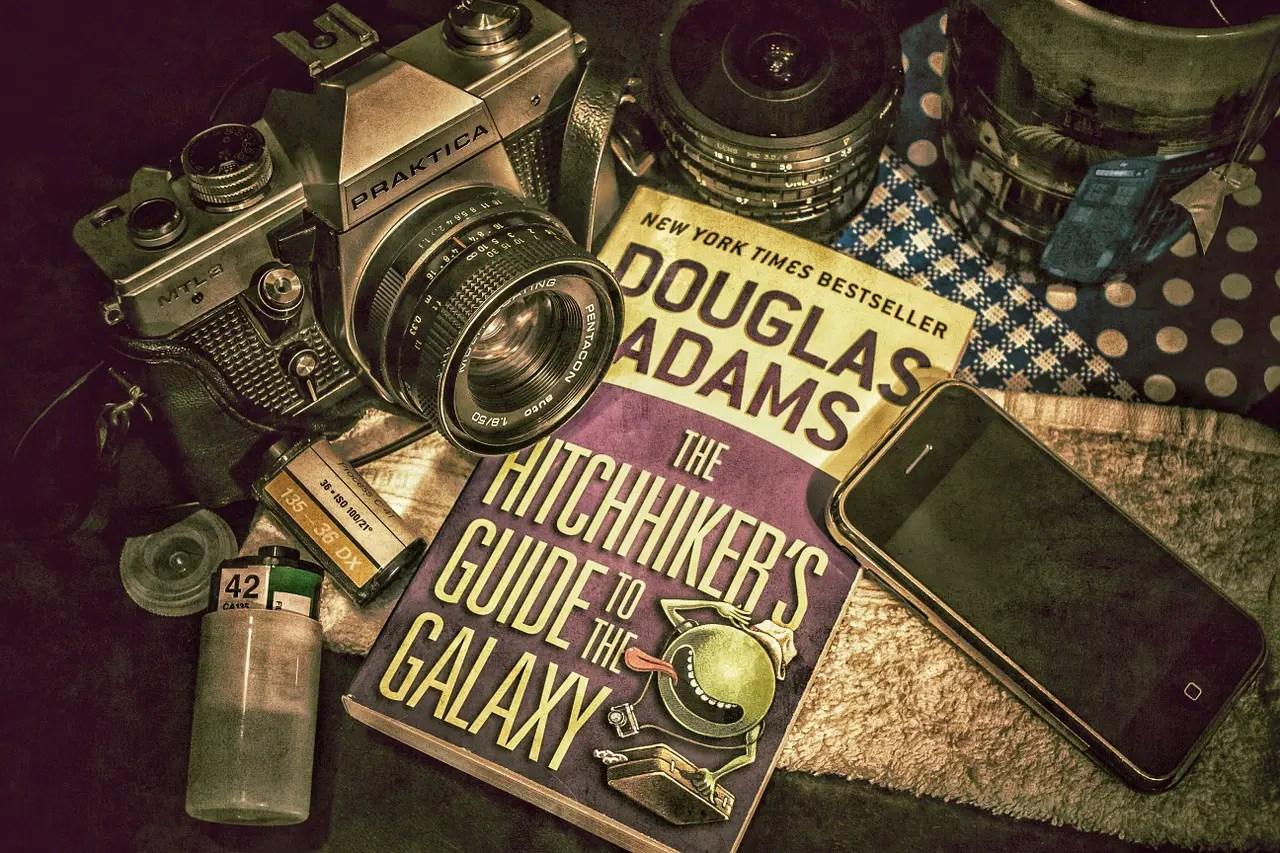 Νέα σειρά στο Hulu: Γυρίστε το Γαλαξία με Ωτοστόπ (The Hitchhiker's Guide to the Galaxy)