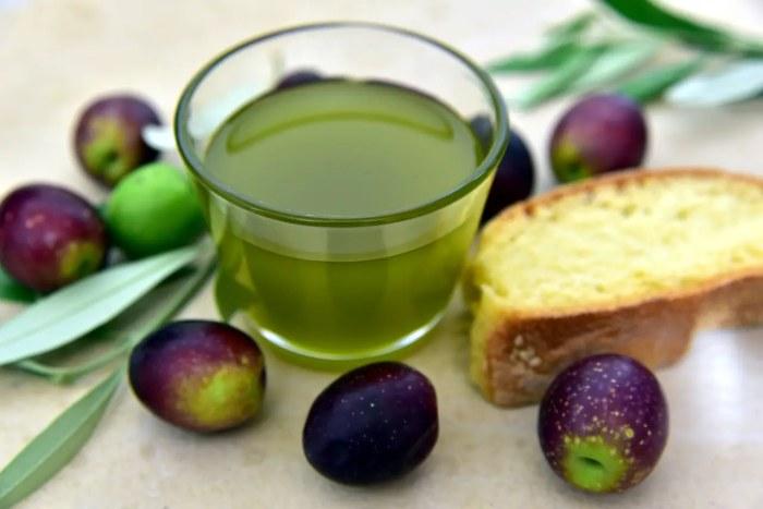 Olives, Bread