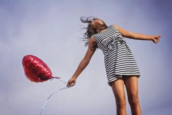 Κορίτσι με μπαλόνι