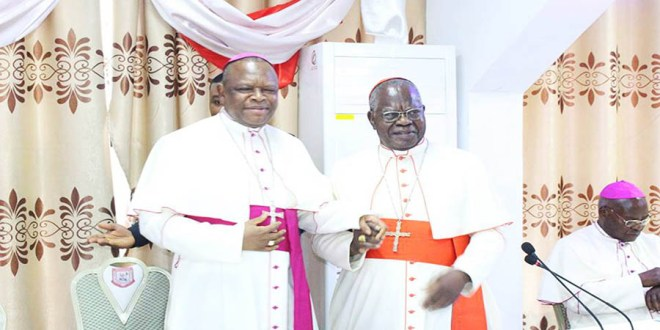 Mgr Fridolin Ambongo et Cardinal Monsengwo (Photo Tiers)