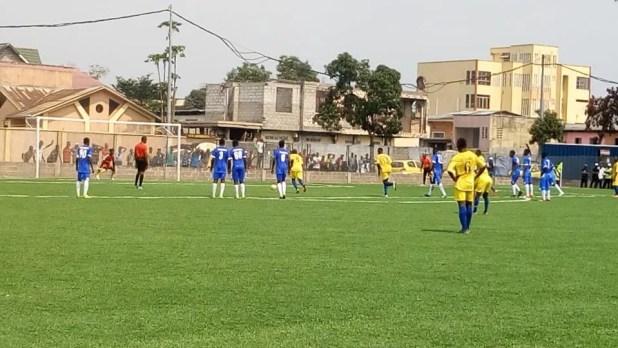 Dijack en jaune a surclassé New Jenovie en bleu et blanc (5-2) pour le compte de la 2ème journée de l'Epfkin - Stade municipal de Lemba