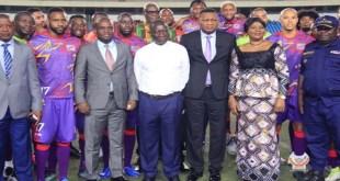 Les Léopards de la RDC A réconfortés par la présence des autorités dont le Premier ministre, Sylvestre Ilunga Ilunkamba hier mercredi 13 novembre au stade des Martyrs