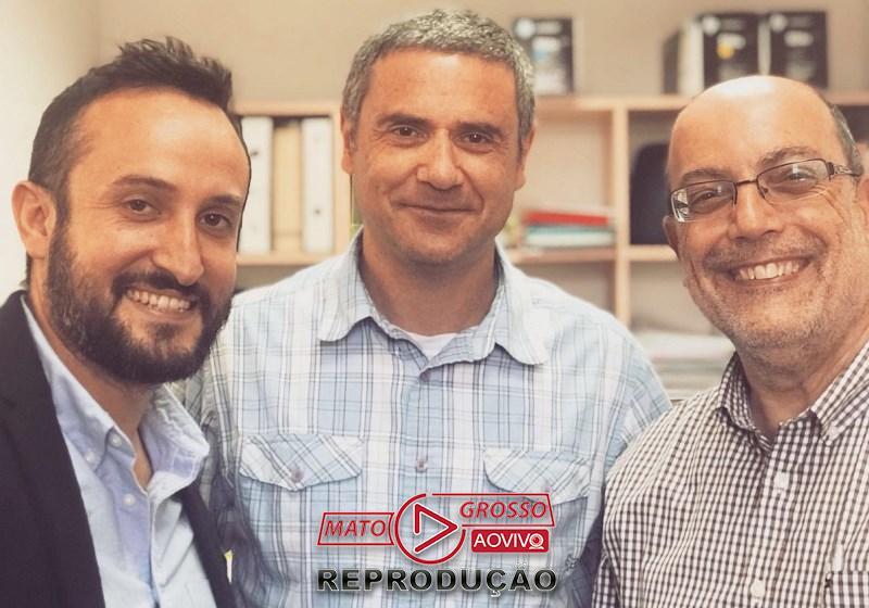 Os três pesquisadores por trás dos nanodrops (da esquerda para a direita), o Dr. David Smadja, o Prof. Zeev Zalevsky e o Prof. Jean-Paul Moshe Lellouche. Foto: Divulgação