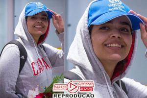 Garota saudita que fugiu para estudar chega ao Canadá 77