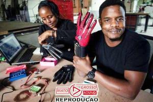Rapaz cria luvas que traduzem língua de sinais em áudio 67
