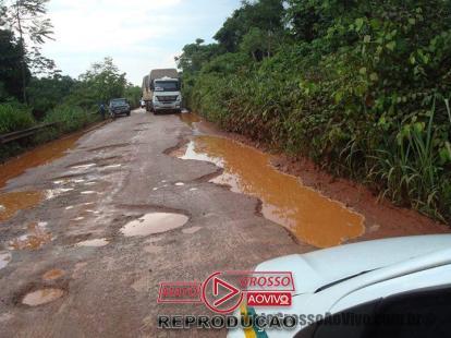Situação calamitosa se agrava cada dia mais com o período de chuva fora de época.