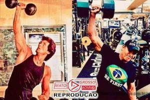 "A Lá Brazil | Sylvester Stallone mostra físico e afirma estar ""melhor"" aos 73 anos do que aos 35 57"