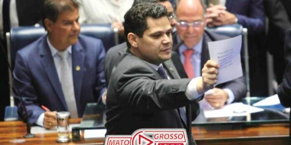Davi Alcolumbre surpreende com proposta de renúncia coletiva em prol de nova Assembleia Nacional Constituinte 24