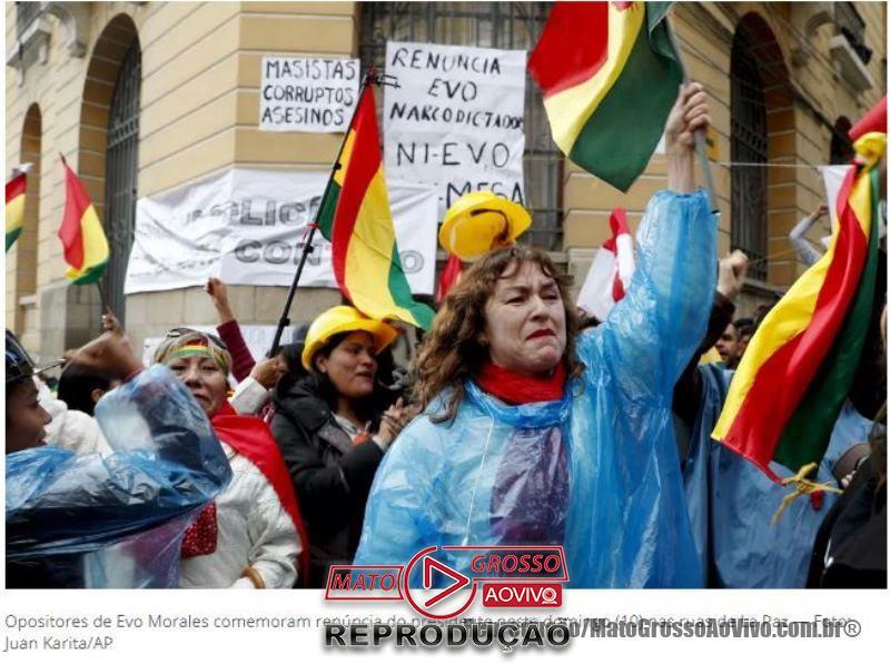 "Sob gritos de ""Narcoditador"", Evo Morales renuncia a presidência da Bolívia e presidente do Tribunal Eleitoral é presa 66"