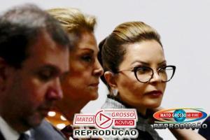VÍDEO | 1ª Dama de Mato Grosso e Conselheira do TCE ficam presas em elevador do prédio durante cerimônia 80