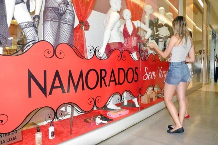 68% das pessoas pretendem presentear no dia dos namorados em Cuiabá