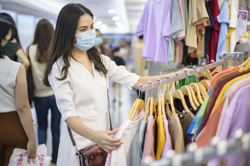 Dia dos namorados deve aquecer o comércio, mas consumidores devem ficar atentos aos golpes e falsas promoções