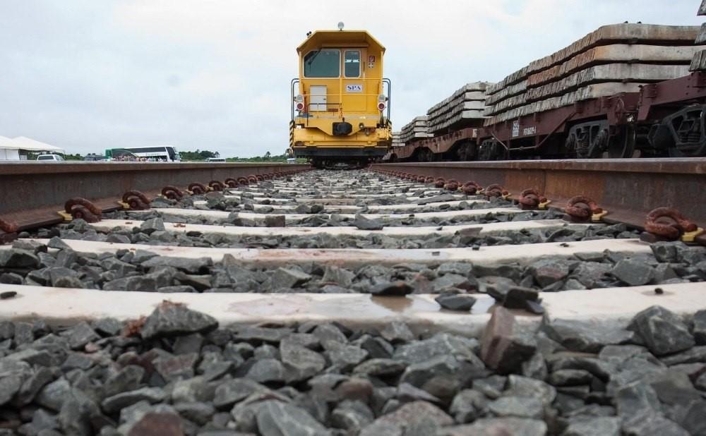 Com objetivo de transportar 33,5 milhões de toneladas de cargas, ministro destaca implantação da Ferrogrão em MT