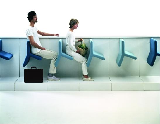 Svein Gusrud. Balans-konsept Hans Chr. Mengshoel. Prototyper til seter for offentlig transport. Utført av HÅG Mobilitet. 1979/83. (Foto: Kolbjørn Ringstad)