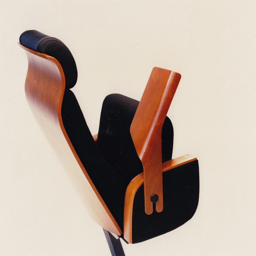 Sven Ivar Dysthe. Rekkestol. Modell: Syntese. Produsert av Møremøbler/Fora Form. Ca. 1998. (Dysthe Design)