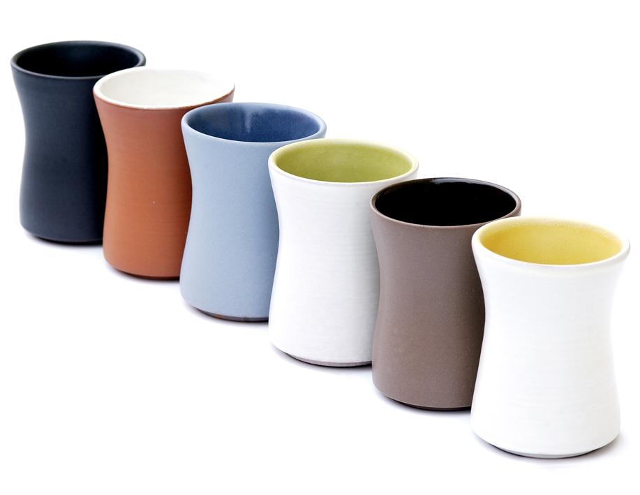 Hareide Design. Krus. Hånddreid keramikk. Produsert av Lannem. I produksjon fra 2002. (Foto. Hareide Design)