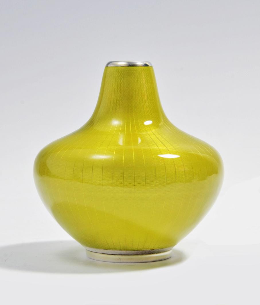 Agnar Skrede. Vase. Utført ved David-Andersen. Ca. 1953. (Foto: Mats Linder)